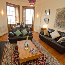 3 bedroom Edinburgh Holiday rental apartment.