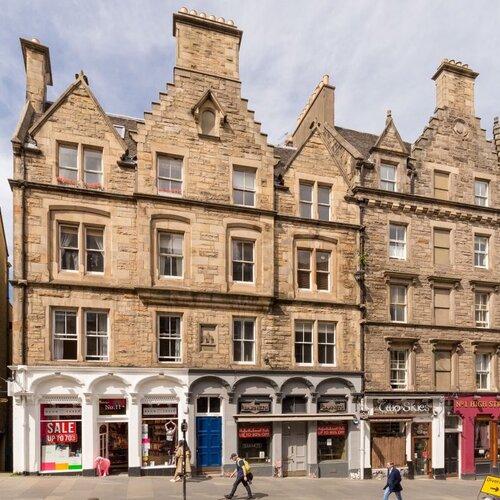 2 Bedroom Edinburgh Holiday let on the Royal Mile in Edinburgh city centre.