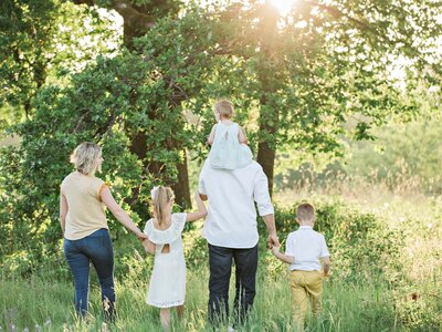 Family and Group Holidays - Perfect for family and group holidays in Dordogne (© irina-murza-vENEN2cryYQ-unsplash)