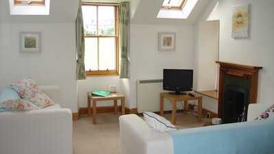 Lodge Cottage, pet friendly holiday cottage in Gullane - Welcome to Lodge Cottage! (© Coast Properties)