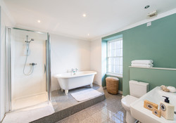 Albany Street Townhouse Ensuite Bathroom