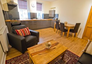 Edinburgh Castle apartment