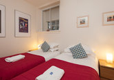 Edmonstone Close Apartment-2