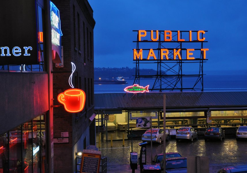 seattle-market-fish-urban-hip-travel