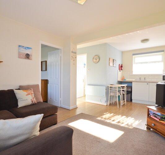 Open Plan Living and Kitchen Areas - Sandown - Wight Holiday Lettings - Open Plan Living and Kitchen Area
