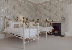 24.Swan Twin Bedroom
