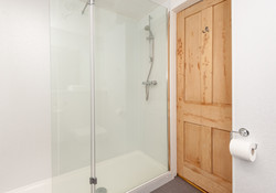 St Giles Edinburgh Self Catering Ltd shower