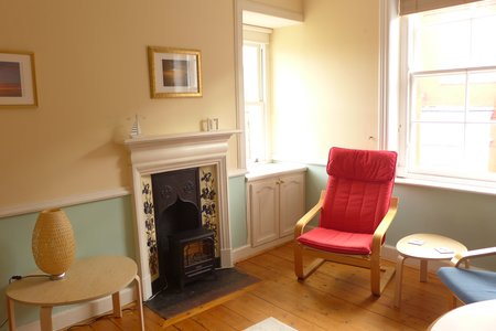 One bedroom seaside apartment - Pet friendly accommodation in North Berwick