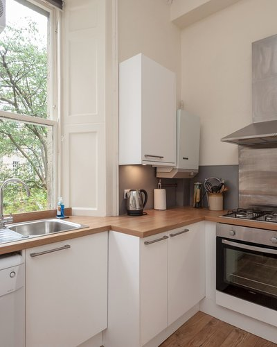 Hart Street No.2 2 - Contemporary family kitchen in Edinburgh holiday let