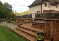Garden.Deck Hot Tub
