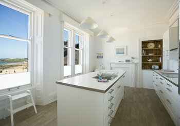 Linda Vista, large holiday home in North Berwick, Sleeps 10 - Kitchen with a view (© Coast Properties)