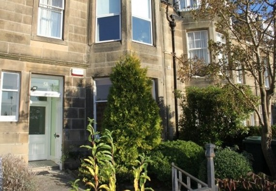 Murrayfield Gardens Apartment - Ground floor main door apartment within a converted Victorian House.