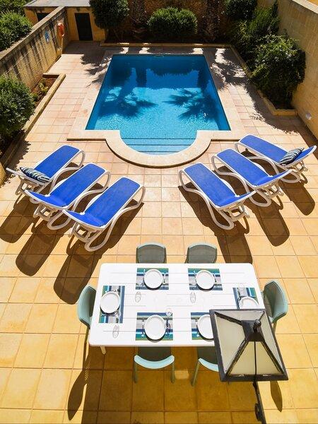 2. Pool area
