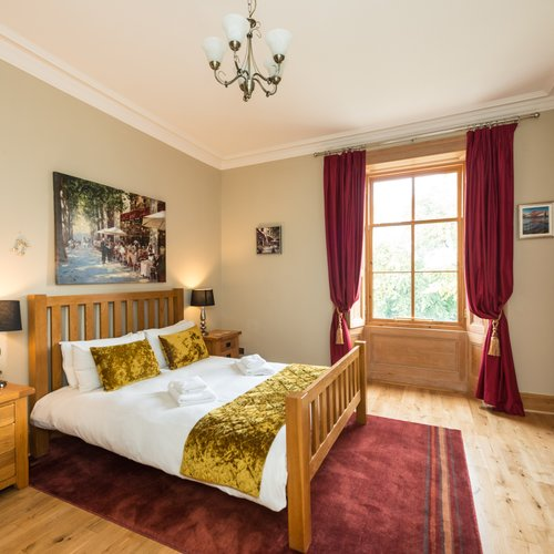 Main bedroom in holiday apartment Edinburgh