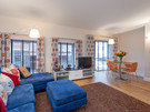Patriothall 7 - Open plan family living and dining area in Edinburgh holiday let