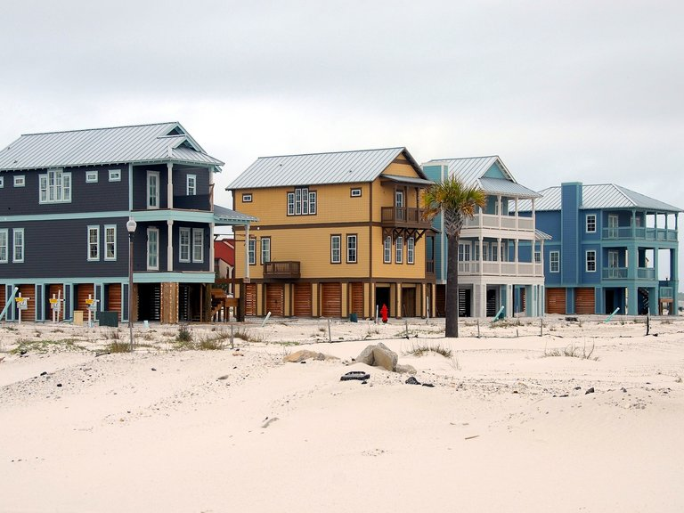 Coast life - Traditional maritime homes (© https://pixabay.com)