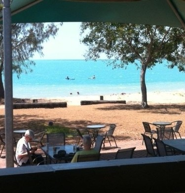 Beachfront Bar Dining View