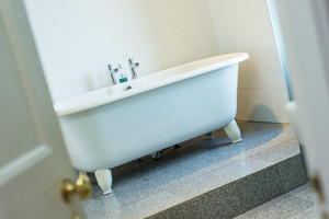 Albany Street Townhouse Ensuite Bathroom - Gorgeous roll top bath in the ensuite to the master bedroom.