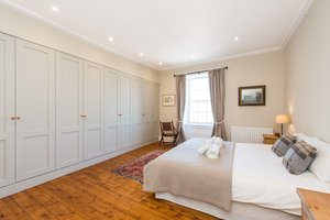 Spacious master bedroom with King sized bed and en-suite.
