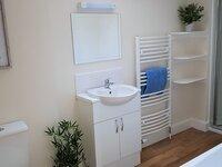 Alainn Eve family bathroom