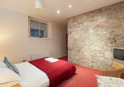 Edmonstone Close Apartment- bedroom