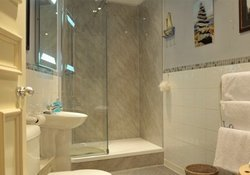 WGS - Bathroom (2)