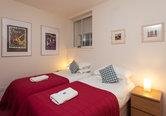 Edmonstone Close Apartment-1