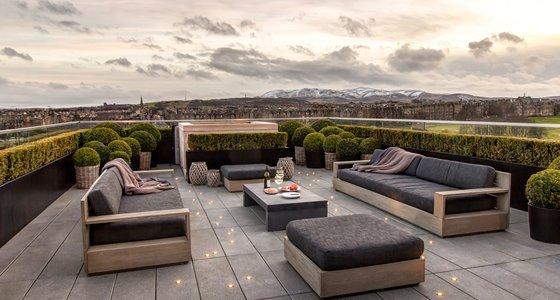 Terrace with Hot Tub (© The Edinburgh Address)