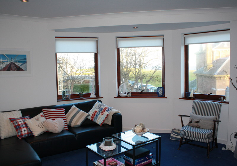 Beach Point - Holiday accommodation. Enjoy stunning sea views from this self catering North Berwick apartment