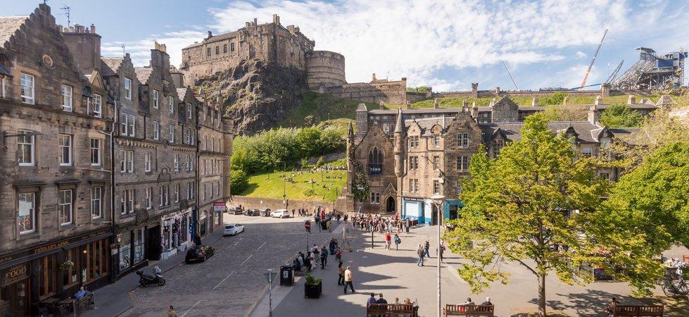 Photo of Castle View Suite 3 Old Town Edinburgh