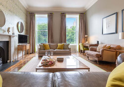 Castle View Apartment Living room 6