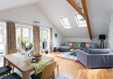 12.Stunnig spacious open plan lounge area