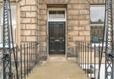 Edinburgh-Flats-holiday-flat-Melville-Street-exterior