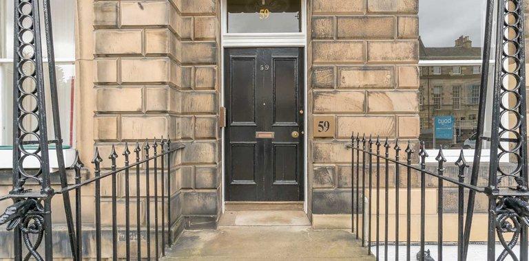 Edinburgh-Flats-holiday-flat-Melville-Street-exterior - Exterior of 59 Melville Street