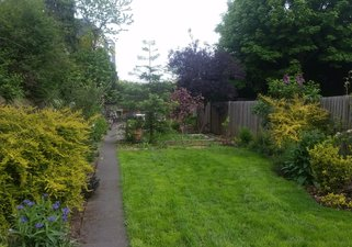 Gilmore place, city centre holiday let with garden