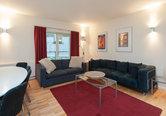 Edmonstone Close Apartment-19