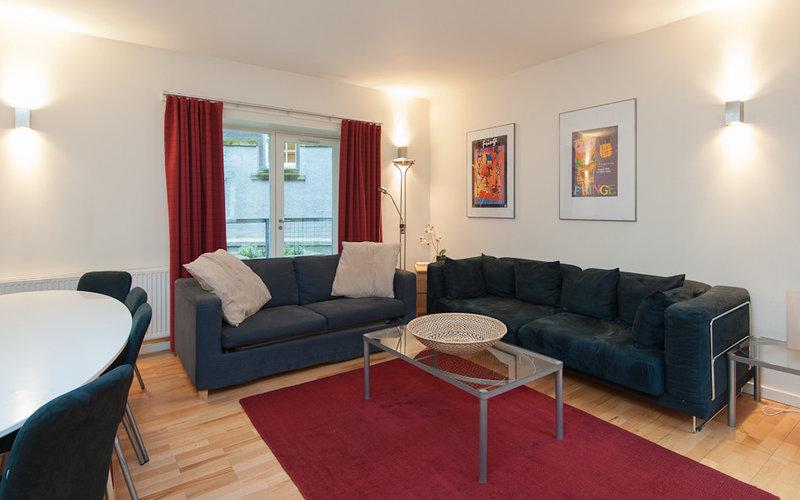 Edmonstone Close Apartment