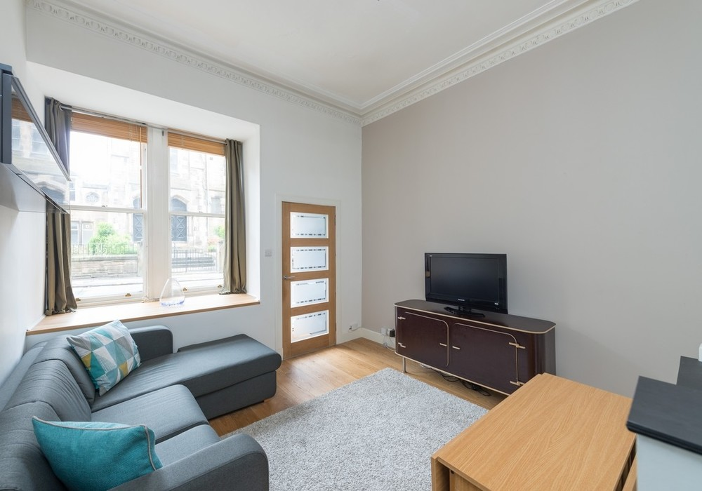 Photo of Modern Gilmore Place Apartment, Southside, Edinburgh