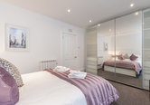 Edinburgh Self Catering Castle View 2 bedroom