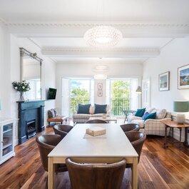 Elegant 3 bedroom, 3 bathroom holiday home in Scotland's capital city