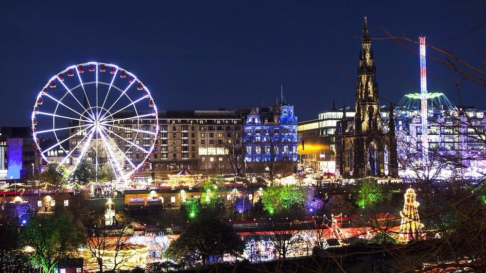 Edinburgh Christmas & New Year (© The Edinburgh Address)