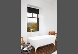 Willow Master Bedroom Freestanding bath