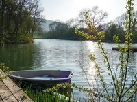 rowing-boat-on-the-lake_1024_wide