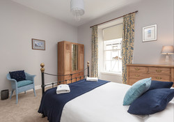 Blair St 1 Edinburgh Self Catering Ltd bedroom 2