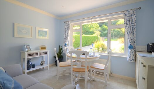 Lounge & Ligt Dining Area - Godshill - Wight Holiday Lettings - Lounge and Dining Area
