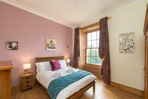 Second bedroom in Buckingham Terrace rental flat.