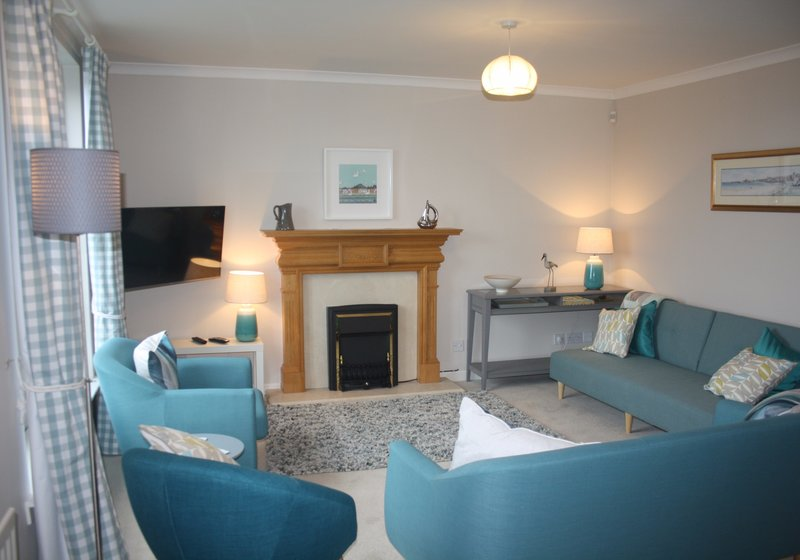 Dirrumadoo, 3 bedroom holiday apartment in North Berwick - Sitting room (© Coast Properties)
