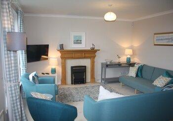 Dirrumadoo, 3 bedroom holiday apartment in North Berwick - Sitting room (© Coast Properties)