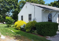 Waterfront Vacation Rental Cottage 5-002