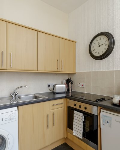 Downfield Place 3 - Open plan family kitchen area in Edinburgh holiday let